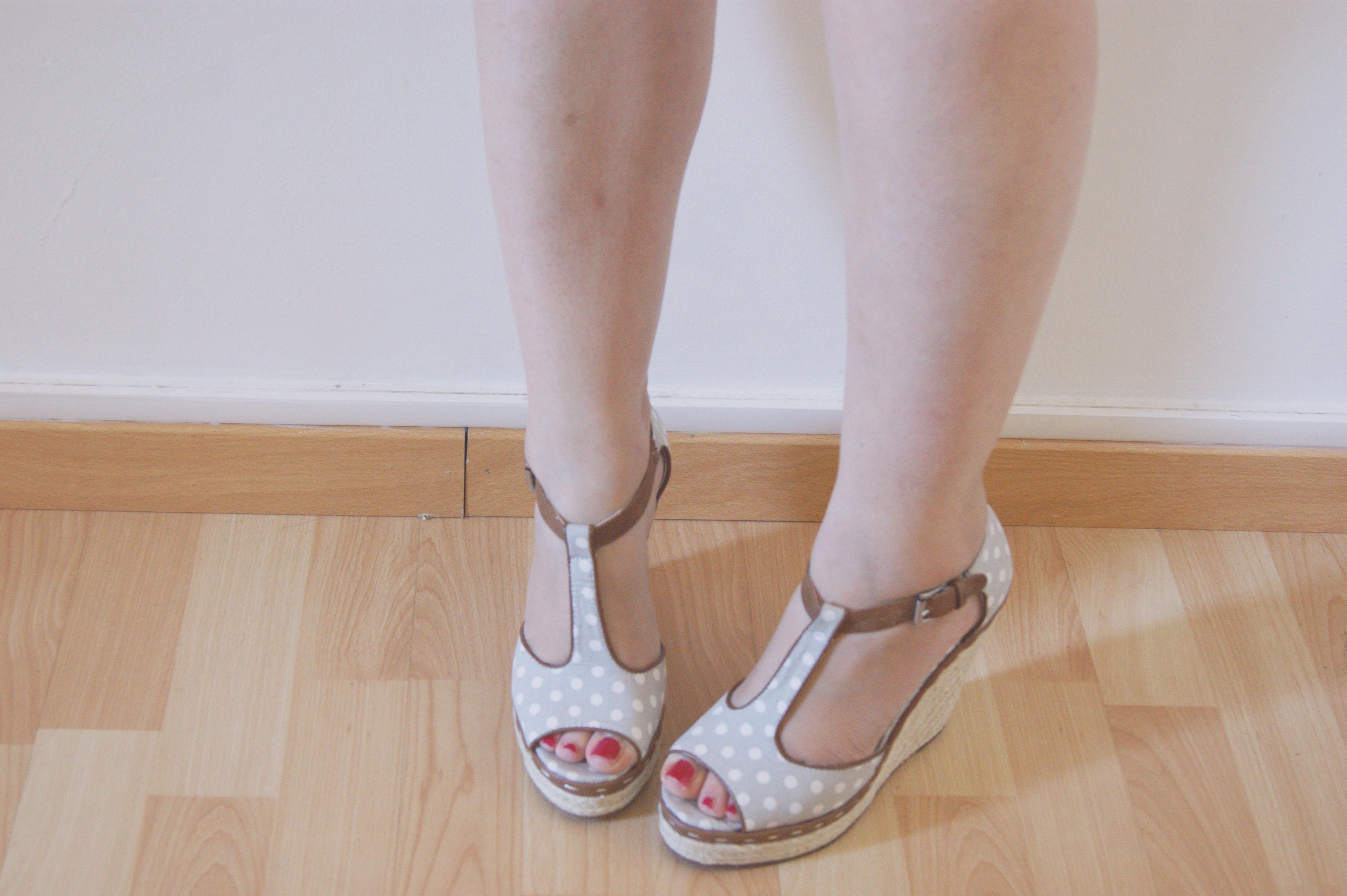 sandales compensées pois stylistpick
