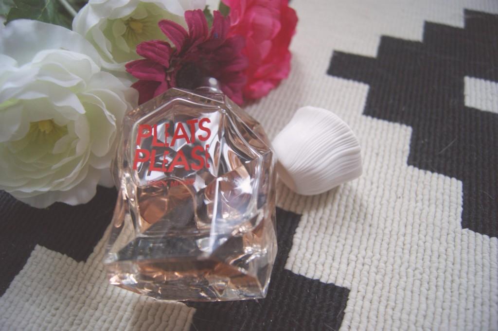 Gagnez le parfum Pleats Please d'Issey Miyake !