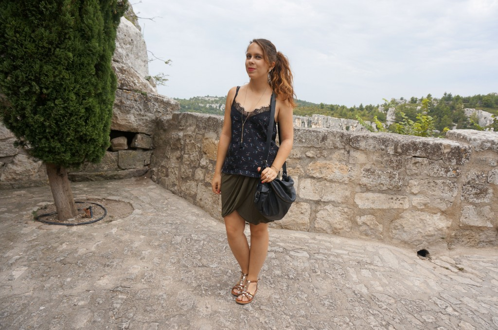 Le cas de la jupe drapée kaki