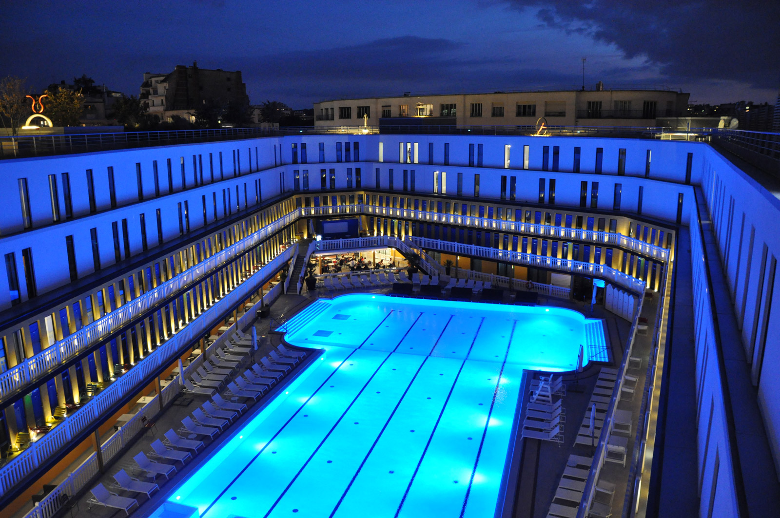 Une nuit au molitor le so girly blog for Piscine molitor hotel