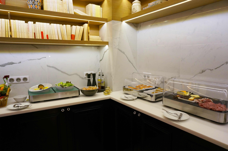 paris l 39 hotel 34b le so girly blog. Black Bedroom Furniture Sets. Home Design Ideas