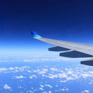 5 conseils pour voyager en avion sereinement