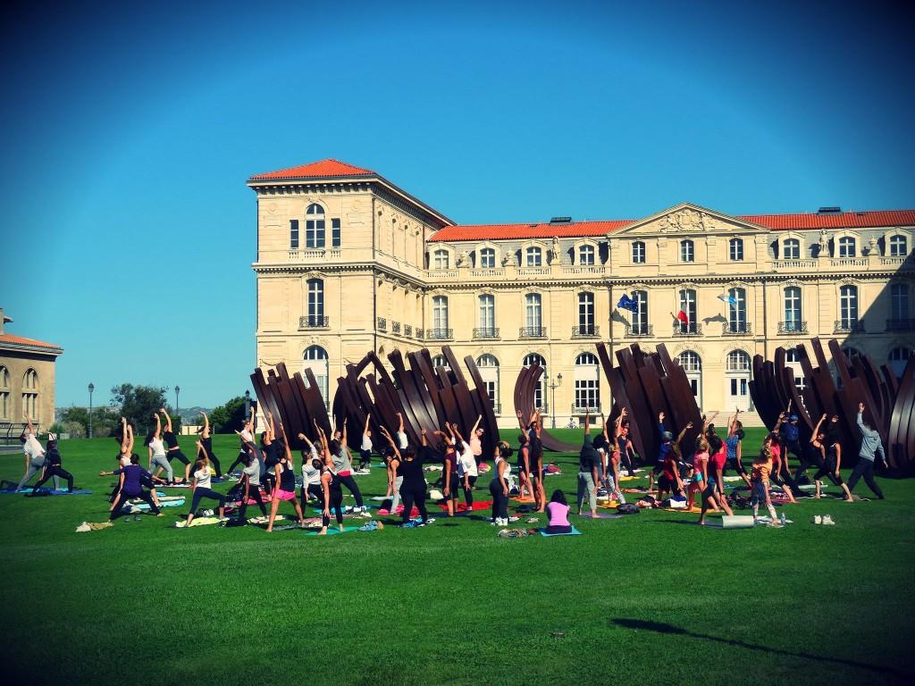 Sport // J'ai testé le yoga Vinyasa en plein air