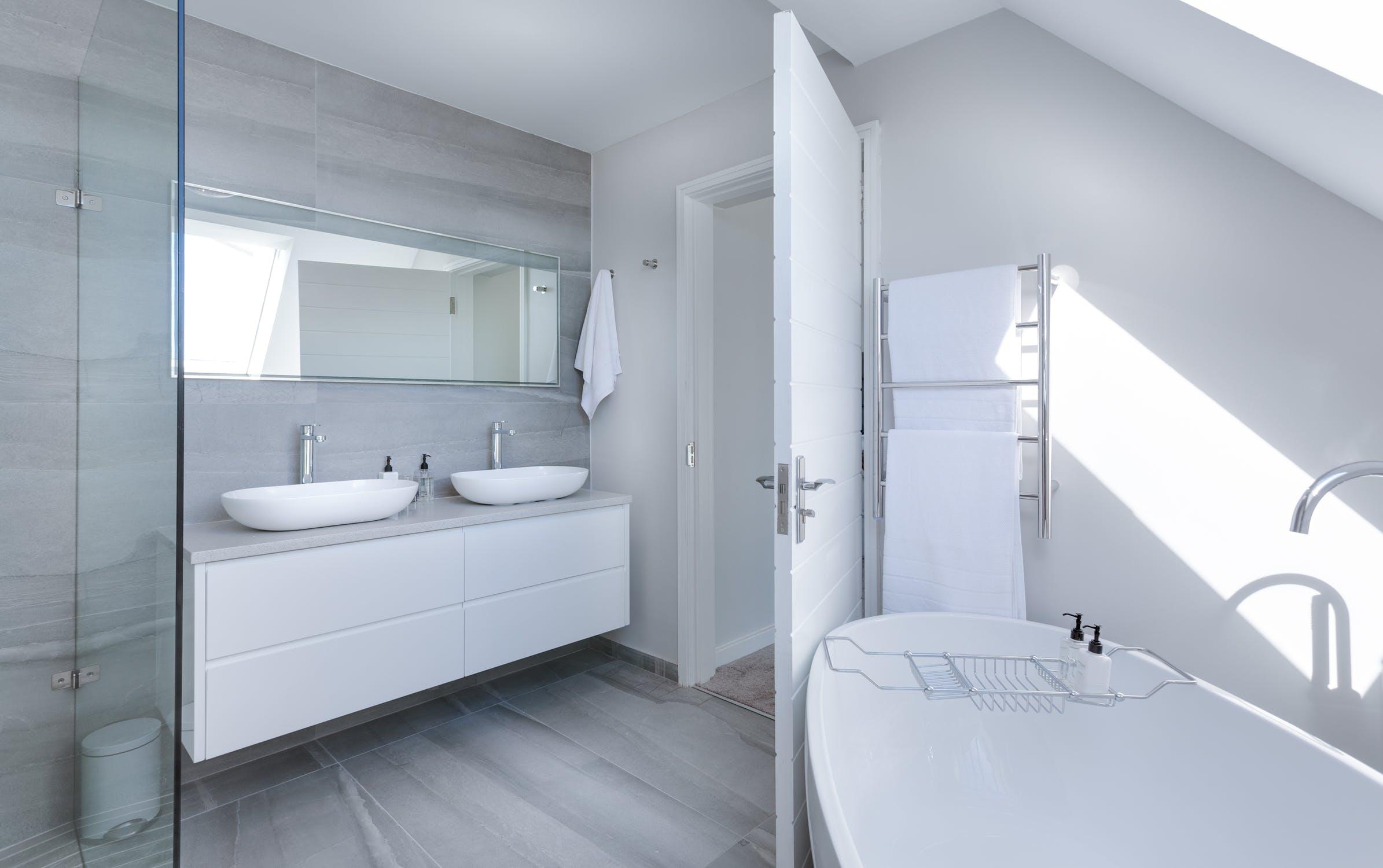 Detourner Un Meuble Pour Salle De Bain comment décorer sa salle de bain quand on est locataire - le