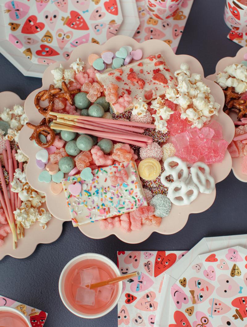 Buffet bonbons et gourmandises Saint Valentin